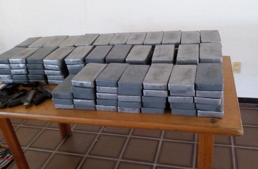 Incautan cargamento con 194 kilos de cocaína y hay un detenido