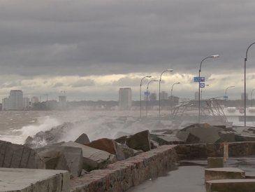 Está vigente una alerta por vientos fuertes y persistentes de hasta 80 km/h
