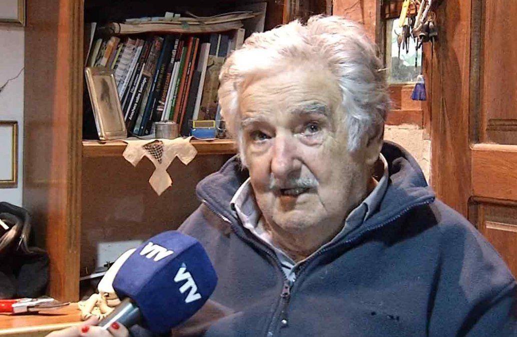 Mujica pidió disculpas a los soldados por decir que son carne con ojos