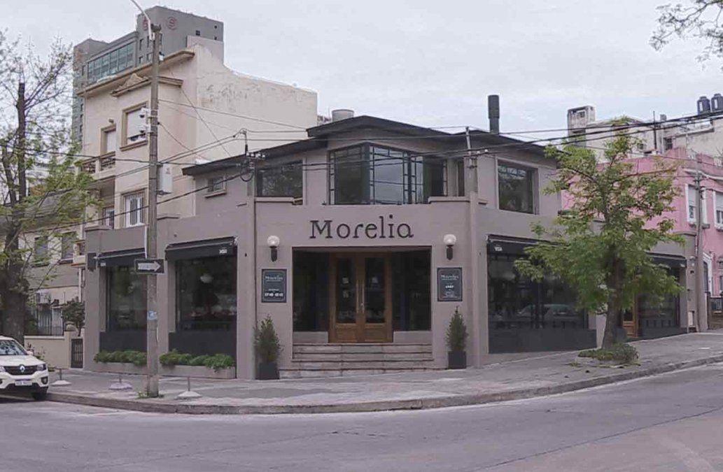 Rapiñaron un restaurante, redujeron a 30 personas y huyeron con el dinero de clientes y del local