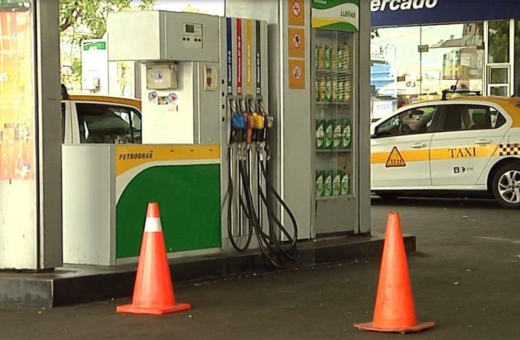 No solo deja el gas por cañería: Petrobrás negocia su red de estaciones de servicio en Uruguay