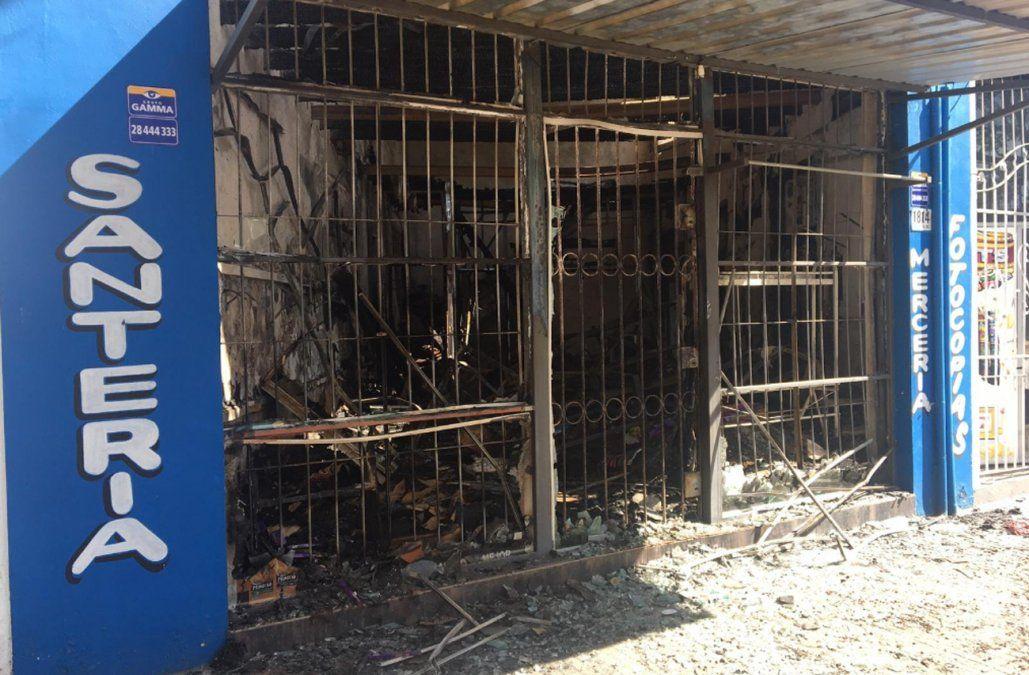 Pérdidas totales en un comercio tras incendiarse en la pasada madrugada