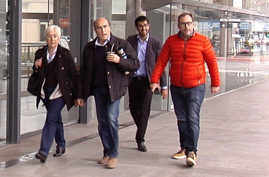 Martínez y Villar llegando a la Torre Ejecutiva