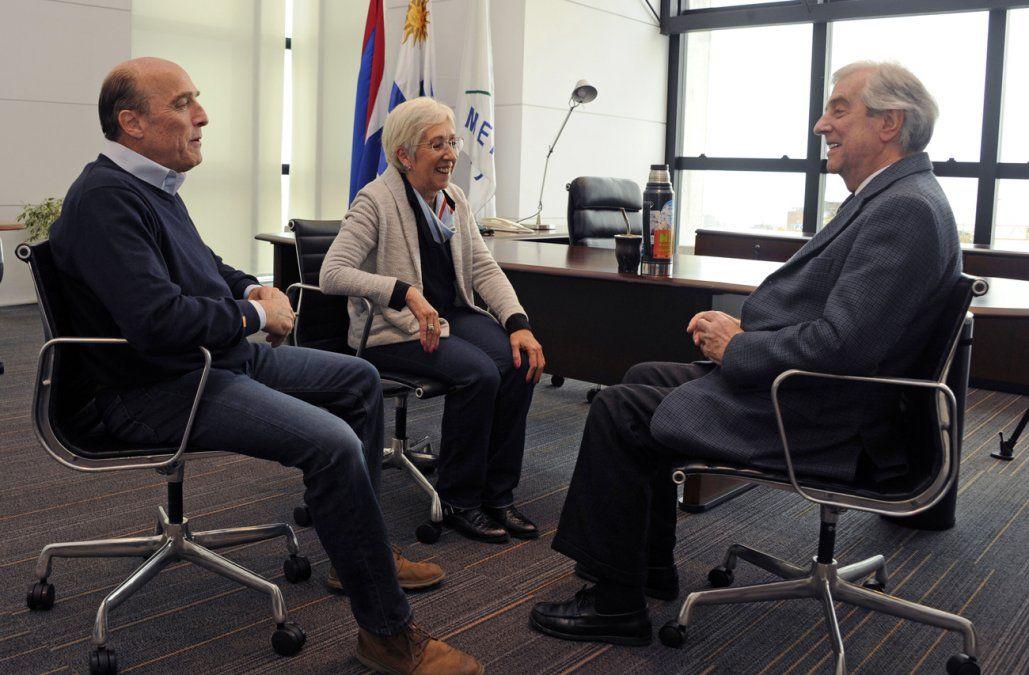 Vázquez se reunió con fórmula presidencial del FA: nos recomendó cuidar la salud