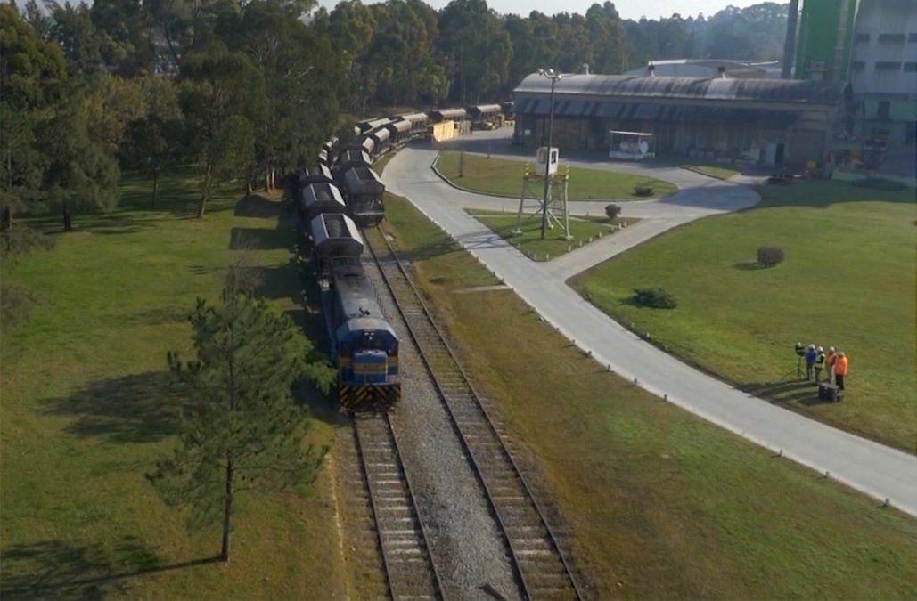 Se firmó el contrato para la financiación del Ferrocarril Central