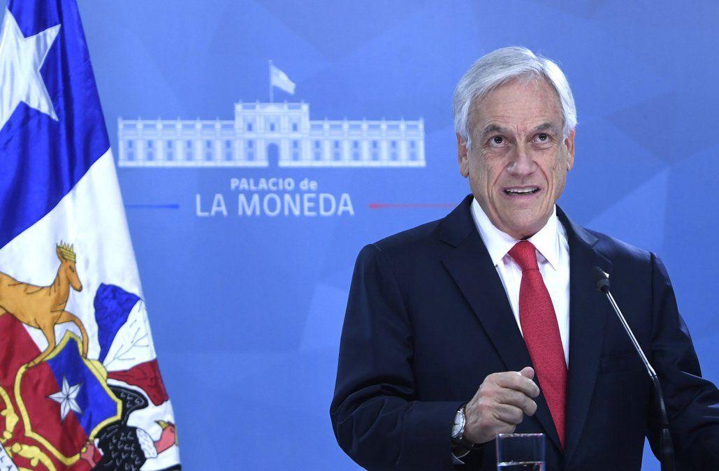 Presidente Sebastián Piñera pide a todos sus ministros poner sus cargos a disposición
