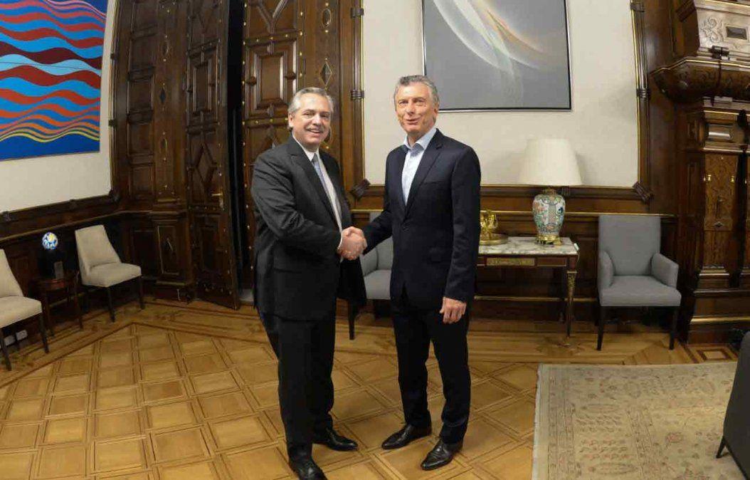 Fernández y Macri se reunieron por primera vez en la Casa Rosada tras elecciones