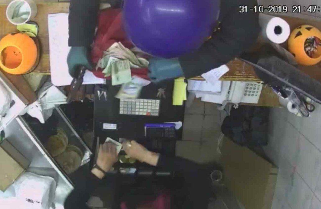 Rapiñaron una pizzería en Rocha y un empleado le lanzó una cuchilla al delincuente