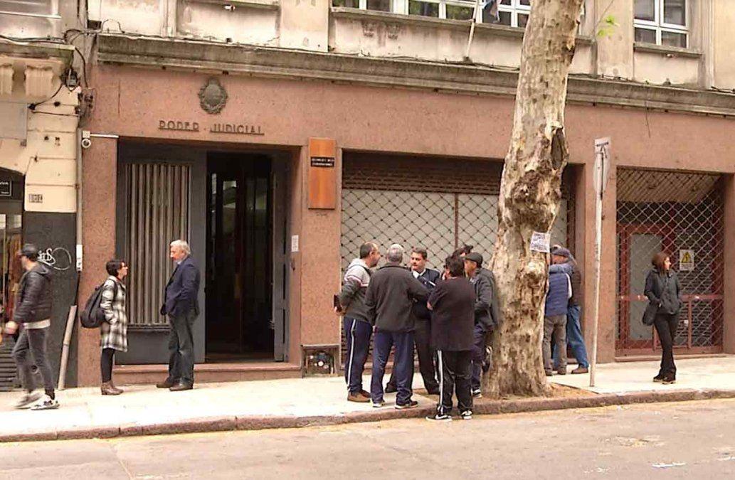 Jueces rechazan críticas de Manini Ríos y Secretario de Presidente