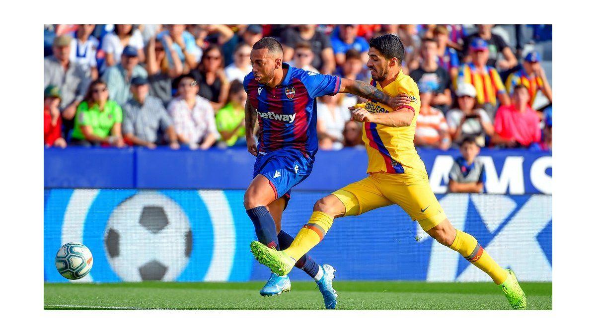 Luis Suárez se lesionó este sábado, en el partido que Barcelona perdió ante Levante