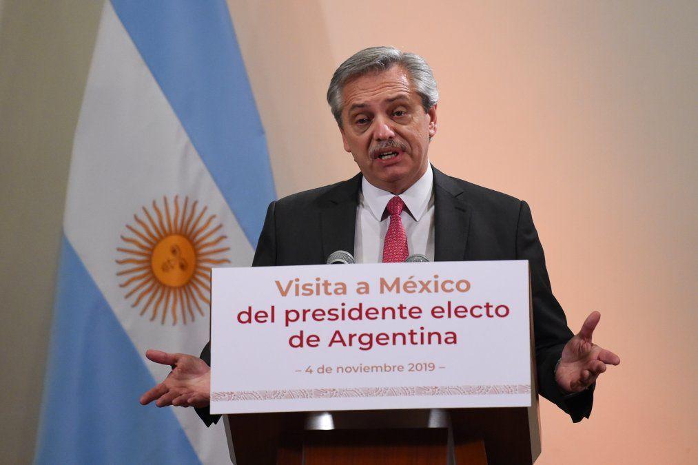 Albertto Fernández hizo su primera visita como presidente electo a México.
