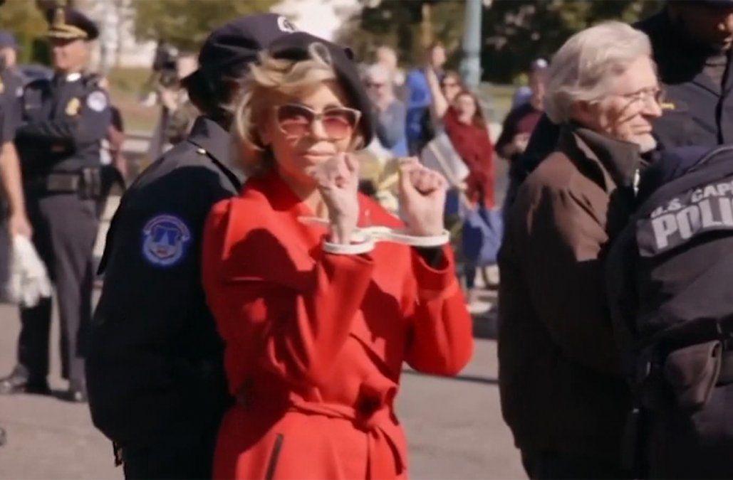 Jane Fonda, arrestada cada semana en Washington, piensa pasar su cumpleaños en prisión