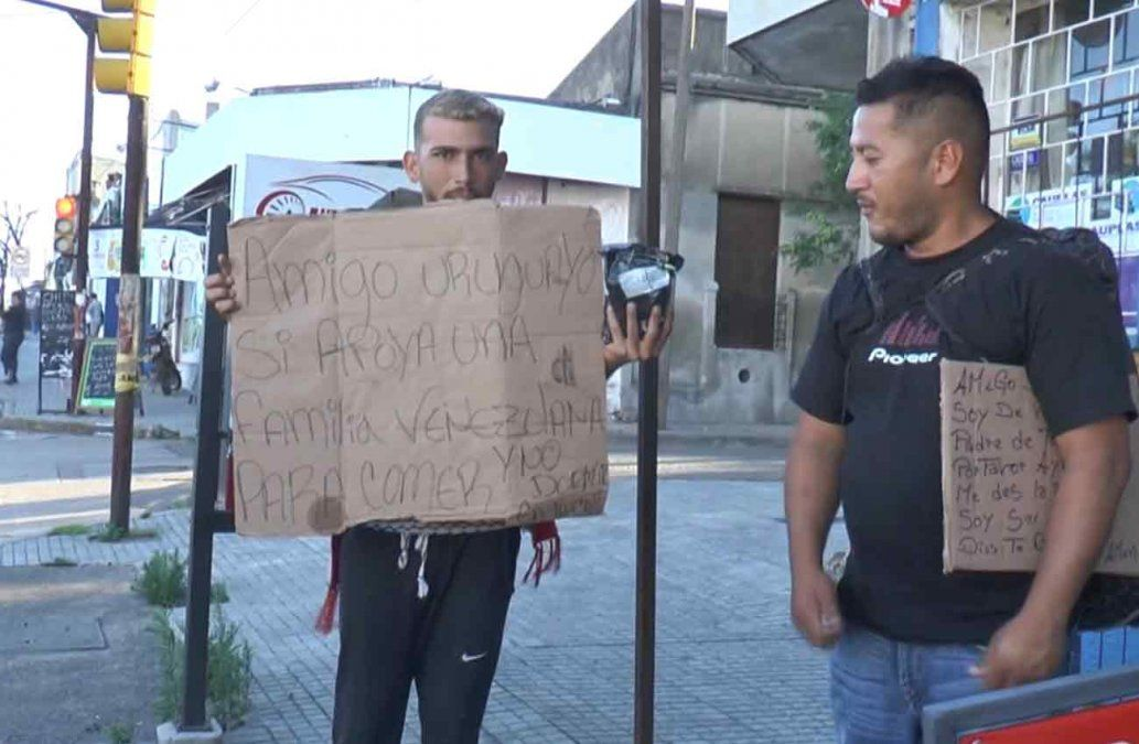 Venezolanos llegaron a Uruguay tras viajar por Sudamérica desde febrero