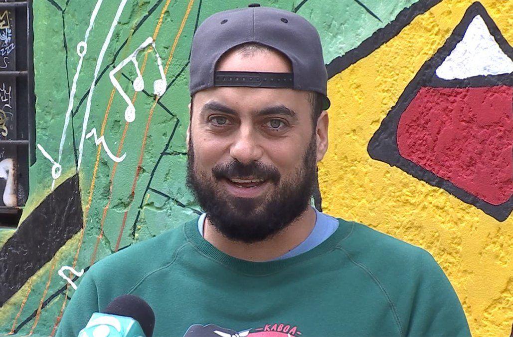 Santi Mostaffá presenta su disco Escapismo en la sala Hugo Balzo del Sodre