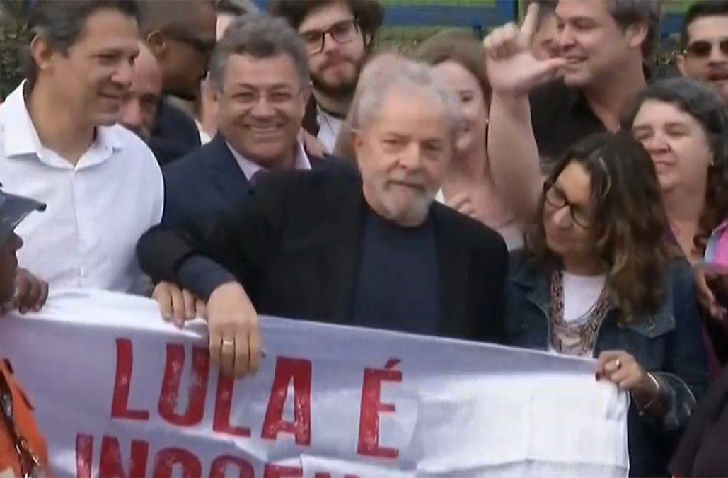 Lula fue liberado y anunció que seguirá luchando contra el gobierno de Bolsonaro