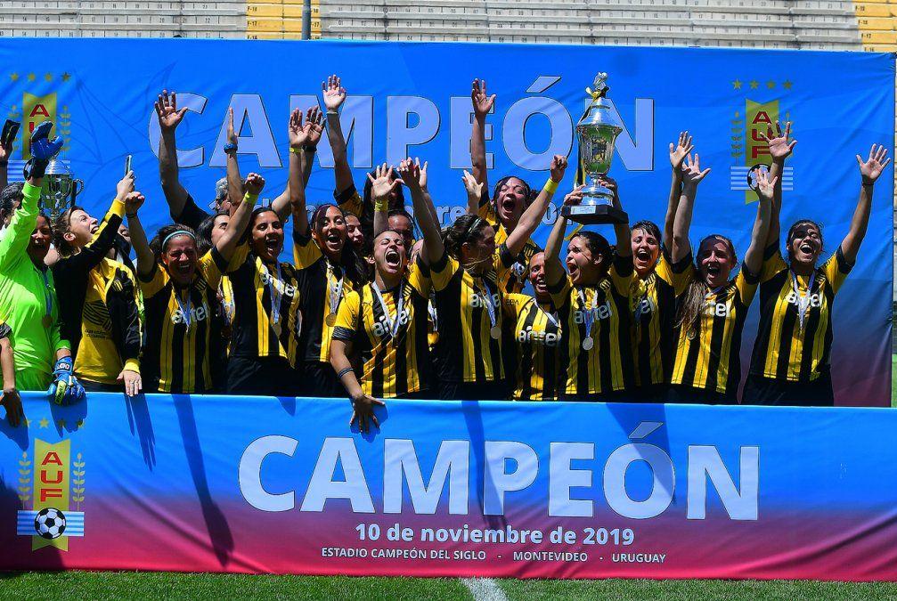 Peñarol campeón de la temporada 2019 femenina