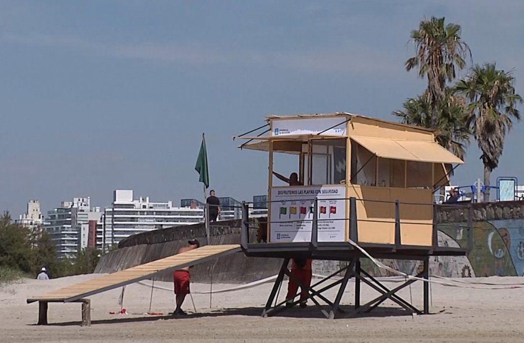 El 16 de noviembre comienza el servicio de guardavidas en las playas de Montevideo