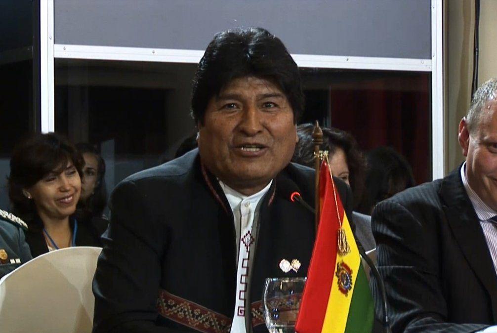 Presidente de Bolivia, Evo Morales, anuncia su renuncia obligada por televisión
