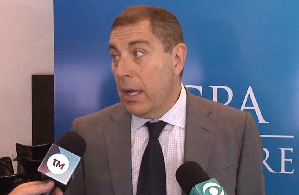 Es impostergable hacer un ajuste fiscal, señala economista Gabriel Oddone