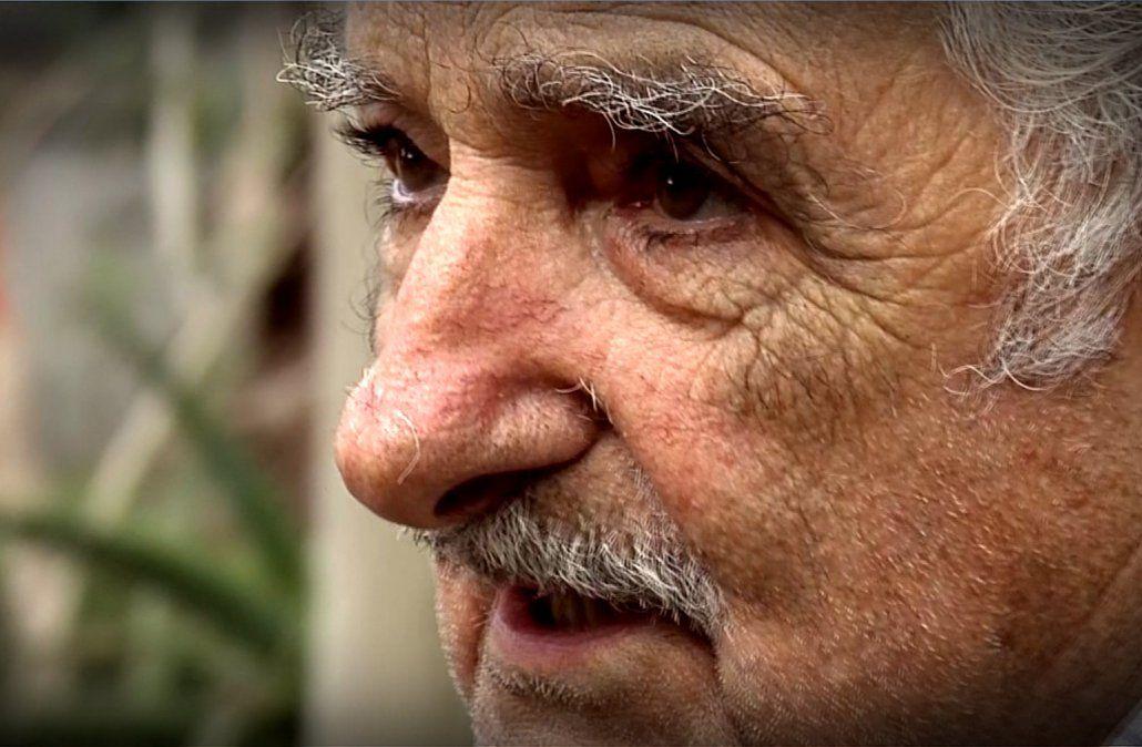 Mujica le pidió por carta a la presidenta interina de Bolivia que pare la represión