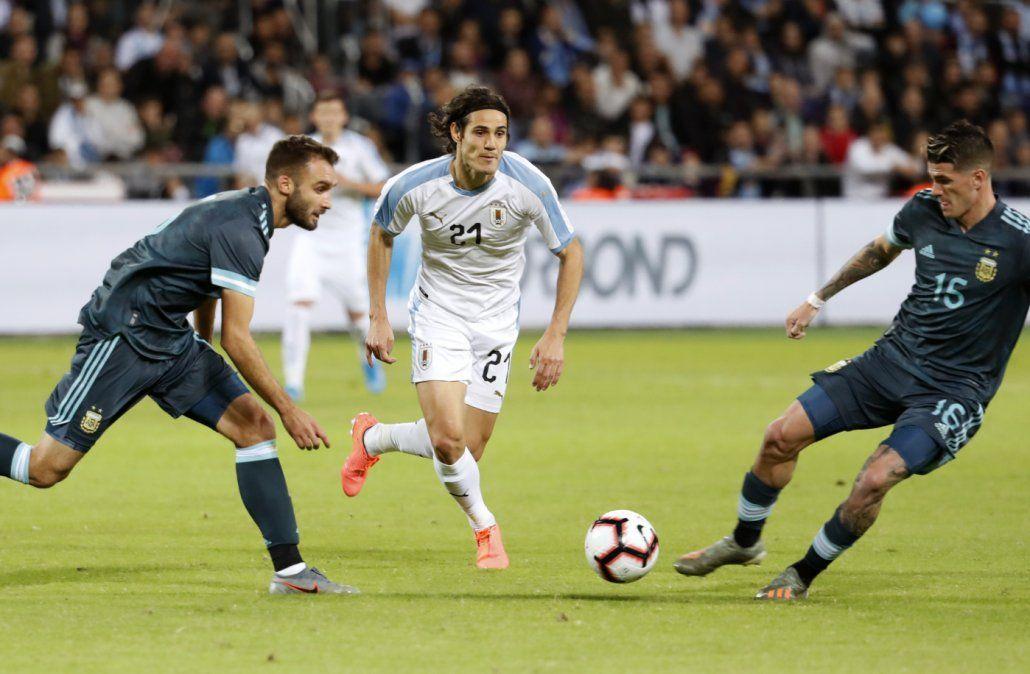Uruguay y Argentina empatan 2 a 2 el clásico que se jugó en Tel Aviv