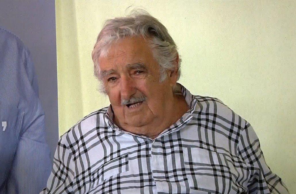 Mujica dice que un gobierno de Lacalle Pou será machete para repartir pero no catastrófico