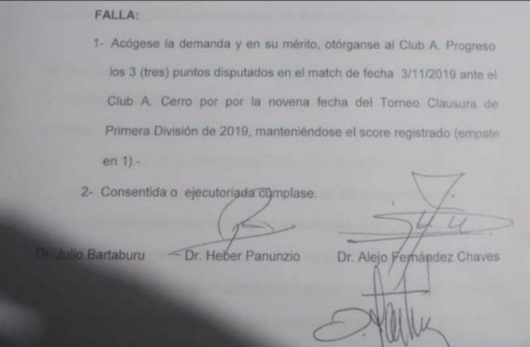 Progreso ganó los puntos del partido con Cerro y quedó como único líder del Clausura