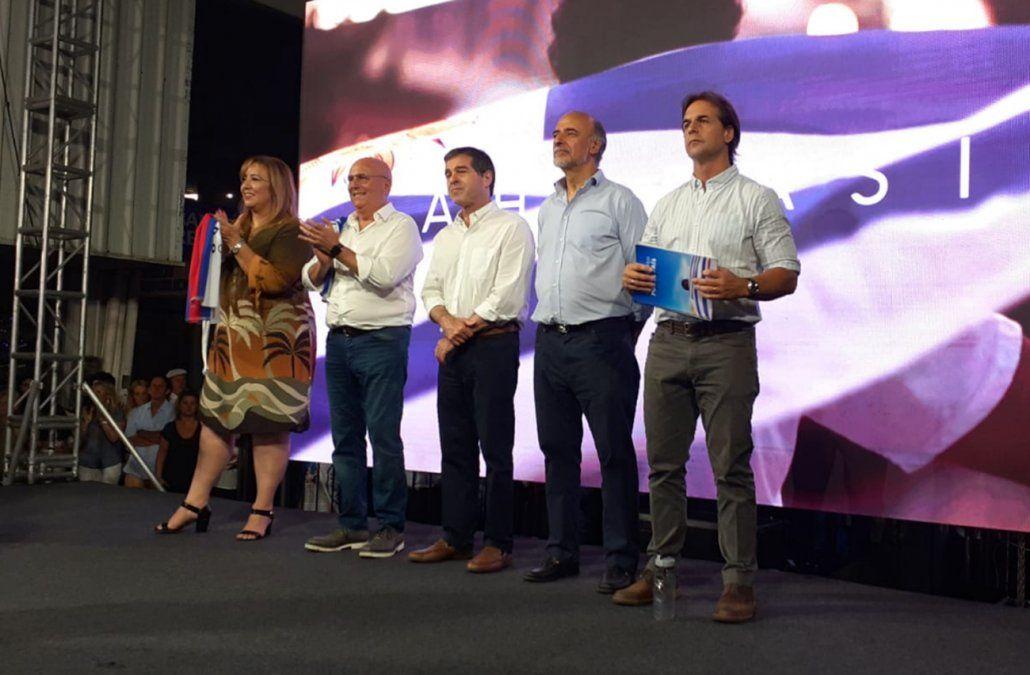 Lacalle Pou cerró su campaña en un acto con Talvi, Mieres, Novick y la esposa de Manini