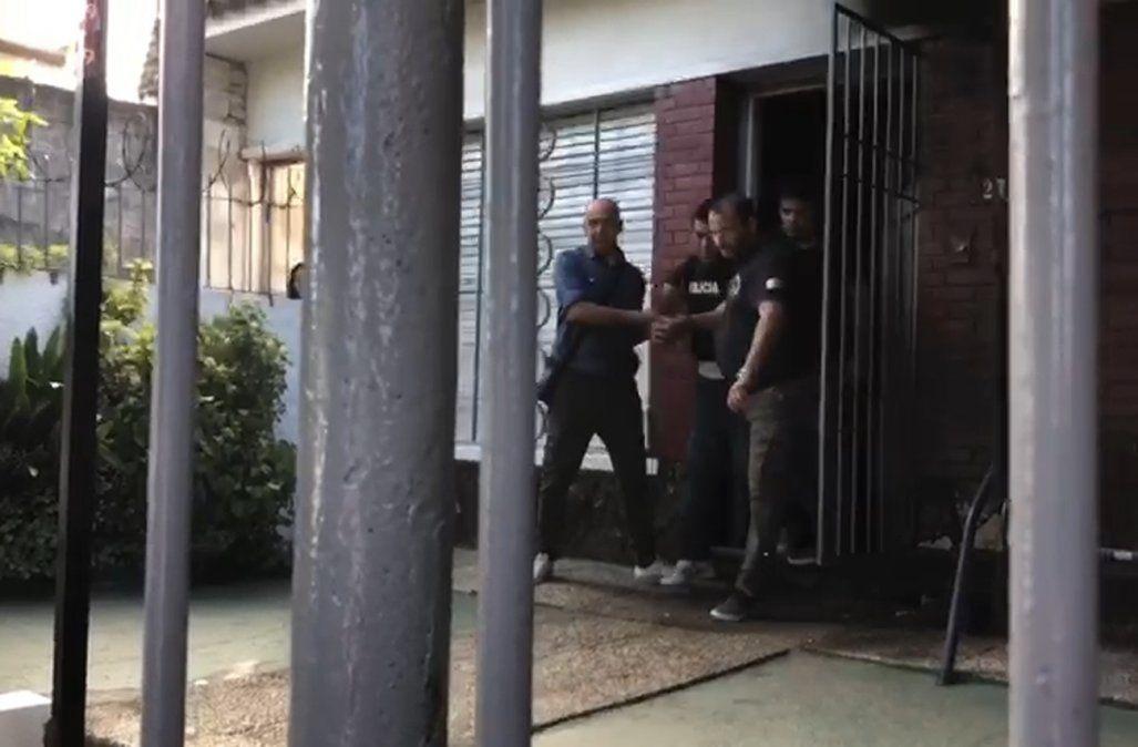 Incidentes con vecinos cuando la policía detuvo al hombre acusado de abuso a niños