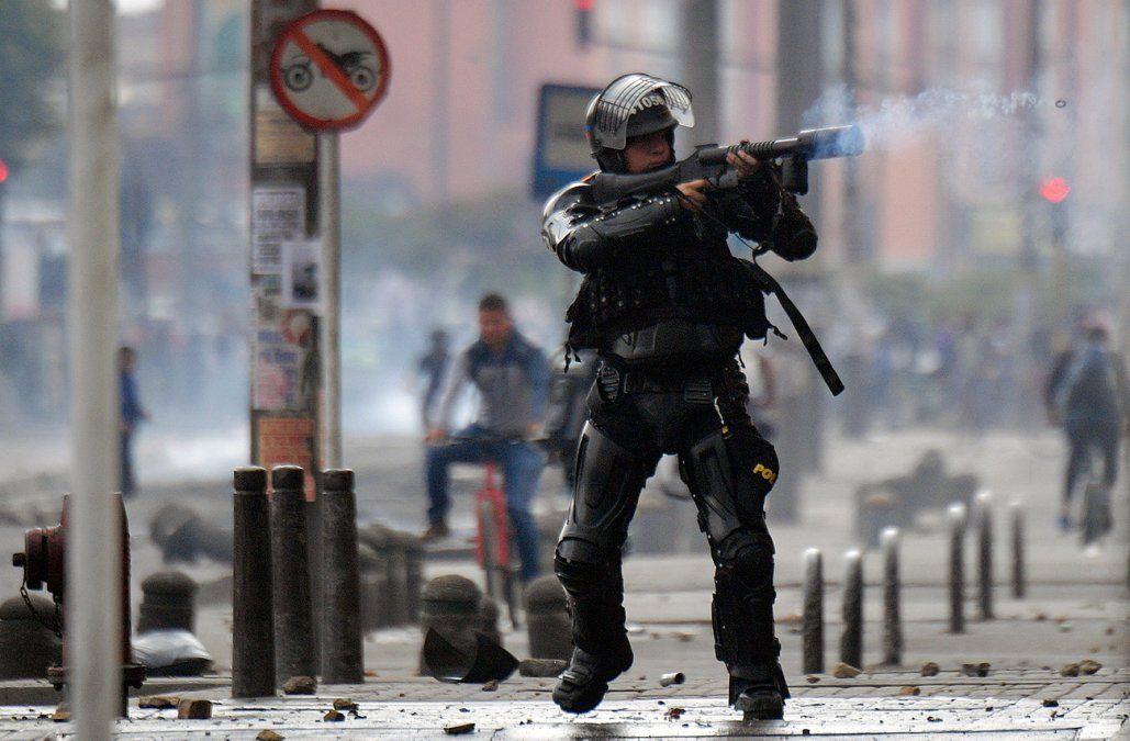 Tres policías muertos en atentado atribuido a disidentes de las FARC