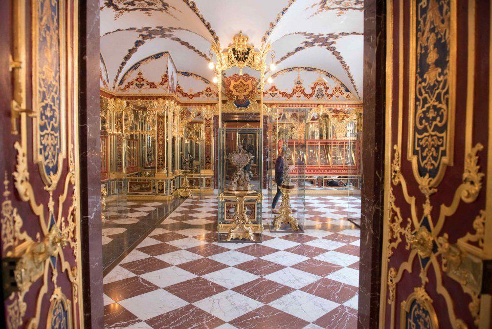 Roban joyas antiguas del museo del tesoro en la ciudad alemana de Dresde