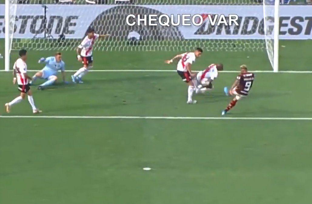 Conmebol divulgó audios del VAR de la mano de De la Cruz en la final de la Libertadores