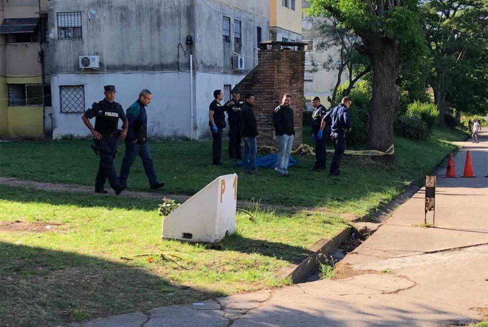 Un hombre muerto y otro en estado reservado tras intentar ingresar a una vivienda