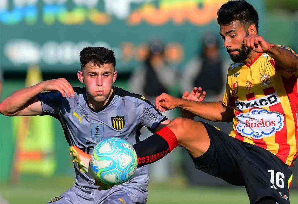 Progreso y Peñarol empataron 0-0 en el Paladino