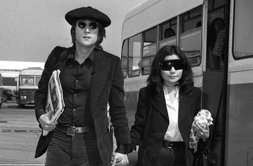 Subastarán los clásicos lentes de sol redondos de John Lennon