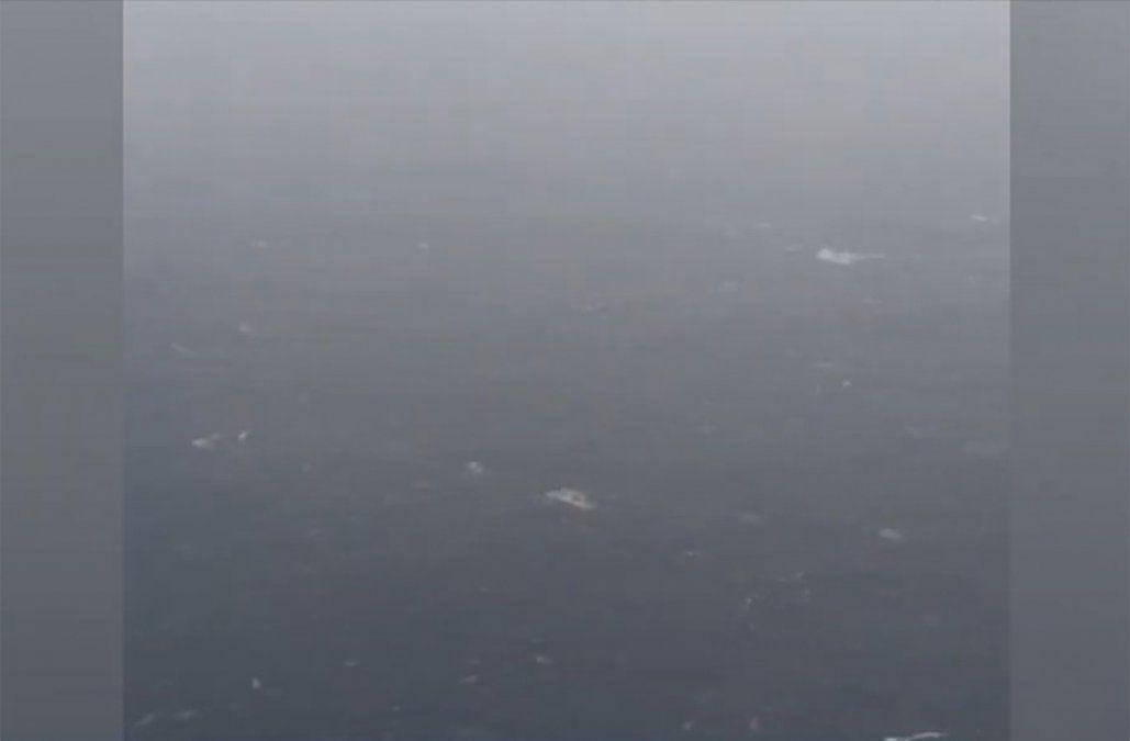 Hallaron pertenencias y restos compatibles al avión chileno desaparecido