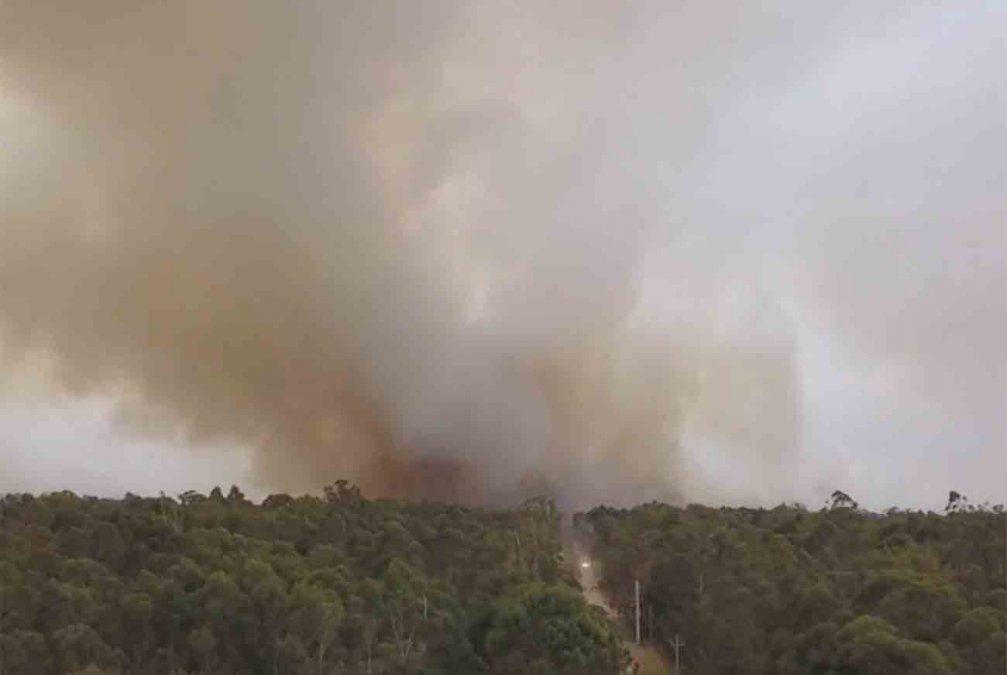 Fuego incontrolable en La Esmeralda: permiten a evacuados volver a sus casas