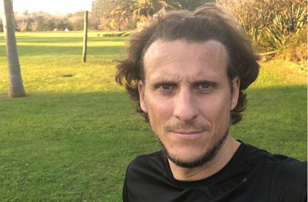 Forlán admite que hay sondeos de Peñarol: me siento con ganas y preparado para dirigir