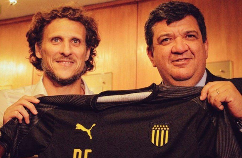 Diego Forlán es el nuevo entrenador de Peñarol: Un desafío y una felicidad