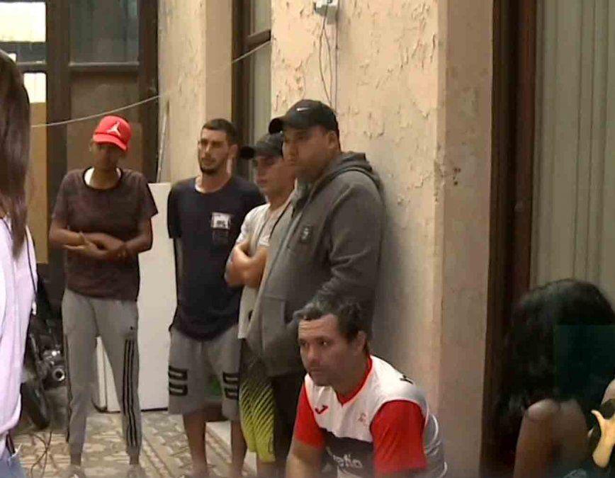 Familias cubanas denuncian que fueron estafadas en una pensión del Centro