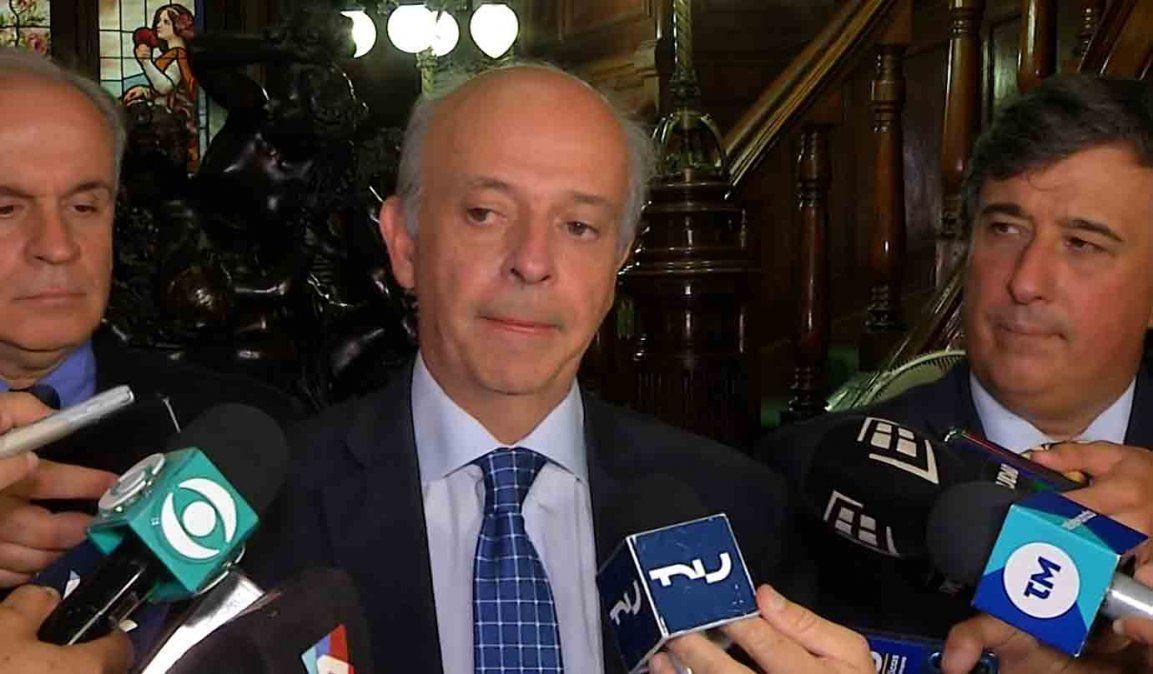 Javier García se reunió con el actual ministro de defensa por la transición