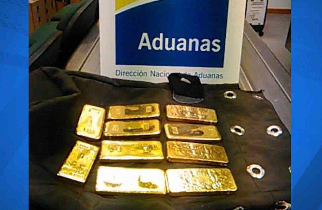 Un hombre fue detenido en el Aeropuerto de Carrasco con 10 lingotes de oro