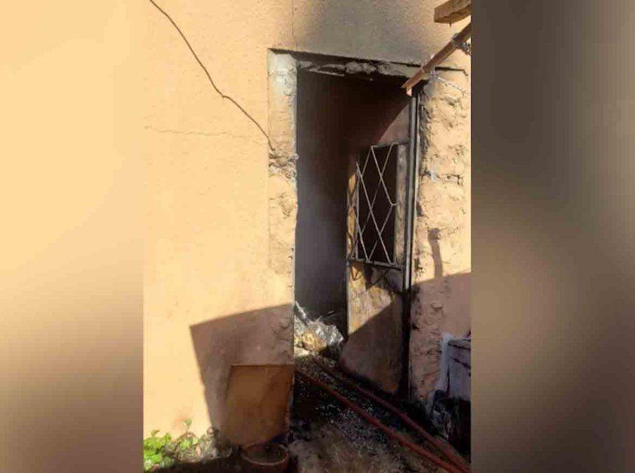 Un hombre falleció y dos personas resultaron intoxicadas en un incendio en Canelones