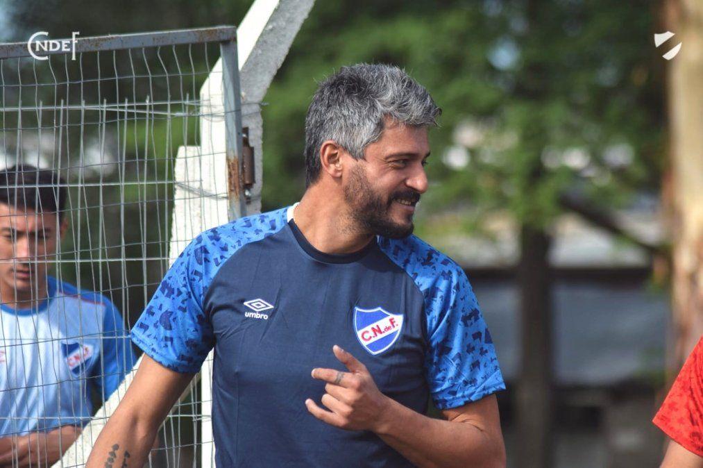 Munúa inició su gestión como DT de Nacional con elogios para su antecesor Álvaro Guiérrez