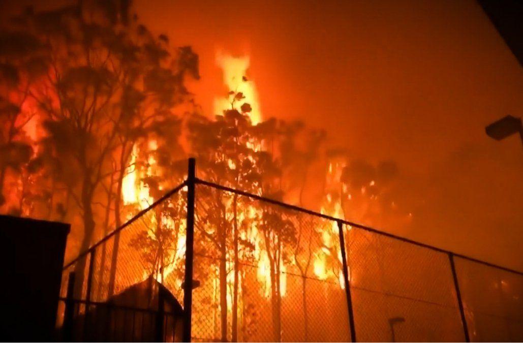 Australia despliega militares y anunció ayuda de U$S 1.400 millones por incendio devastador