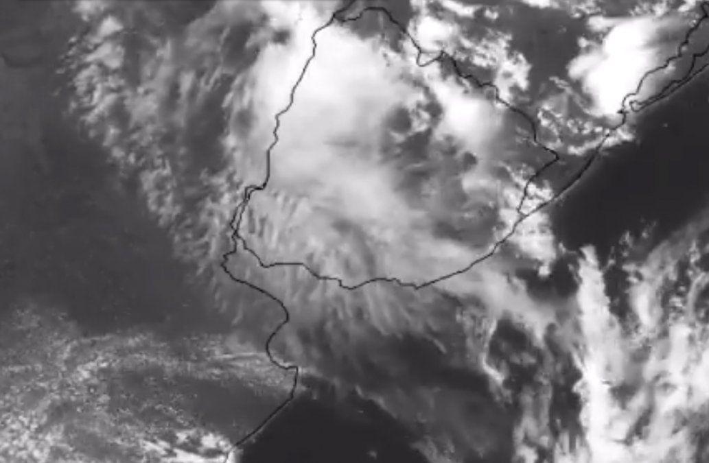 Según Metsul, el humo de los incendios que asolan Australia ya ingresó a Uruguay