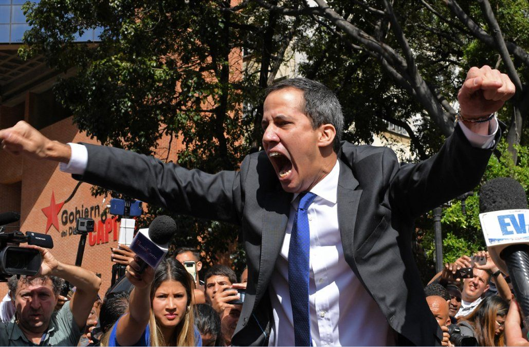 Guaidó logró entrar al Parlamento y fue reelecto presidente de la Asamblea Nacional