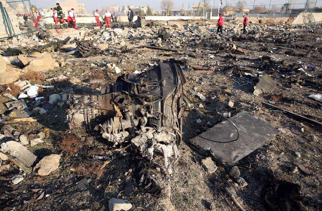 Al menos 176 muertos al estrellarse un avión de pasajeros en Irán
