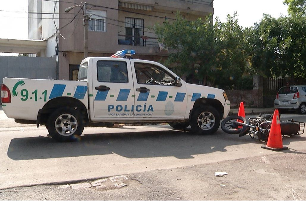 Cuatro presuntos motochorros que iban armados y en un vehículo robado quedaron libres