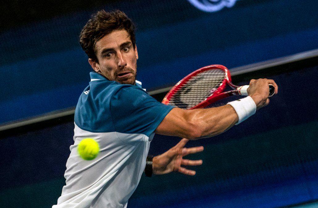 Pablo Cuevas supera a Reilly Opelka en primera ronda del torneo de Adelaida